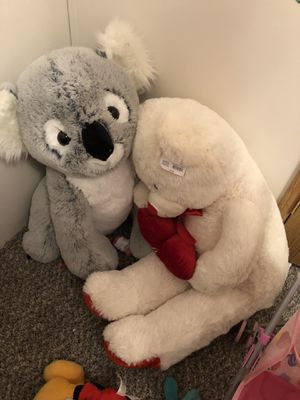 Giant new stuffed animals. Tags still on for Sale in Superior Charter Township, MI