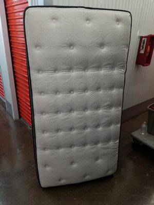 Twin size Sealy Posturepedic bed for Sale in Manassas, VA