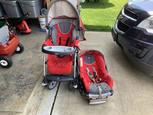 chicco keyfit 30 travel system is a baby car seat and stroller for Sale in Murfreesboro, TN