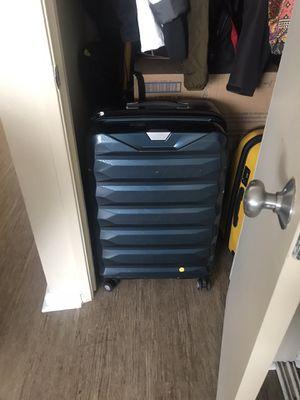 Samsonite hat shell suitcase large for Sale in Santa Cruz, CA