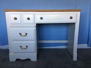 Girl's bedroom furniture- desk for Sale in Germantown, MD
