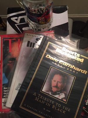 Sports illustrated dale Earnhardt collectible books for Sale in Alexandria, VA