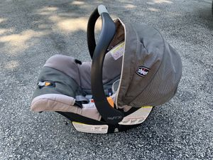 KeyFit infant car seat with base for Sale in Spring City, PA