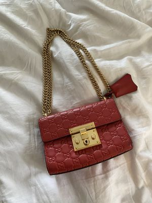 Used Gucci Padlock Red Bag for Sale in Los Angeles, CA
