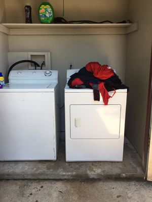 Frigidaire washer and dryer for Sale in San Antonio, TX