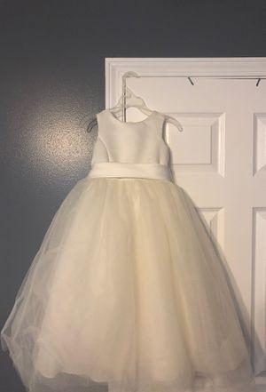 Size 4 flower girl dress for Sale in Murfreesboro, TN