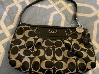 COACH clutch, purse, handbag, wristlet, wallet w/ zipper; $15 Pick-up Or Delivery for Sale in Weston,  FL