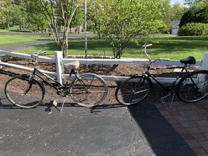 Matching his and hers old bikes. Vintage bikes from the 60's including schwinn 60's world tourist. All 3 bicycles for $75 for Sale in Barrington, IL