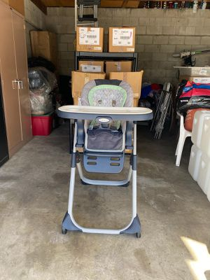2 in 1 Garco high chair & car seat like new for Sale in CRYSTAL CITY, CA