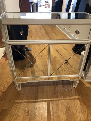 Mirrored accent table for Sale in New York, NY