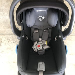 Uppababy Mesa Infant Car Seat With Base for Sale in Colma, CA
