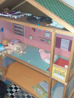 Large Doll House/ Shelf for Sale in Aurora,  CO