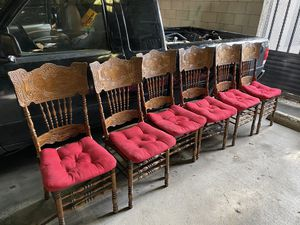 6 maple wood dining table chairs for Sale in Long Beach, CA