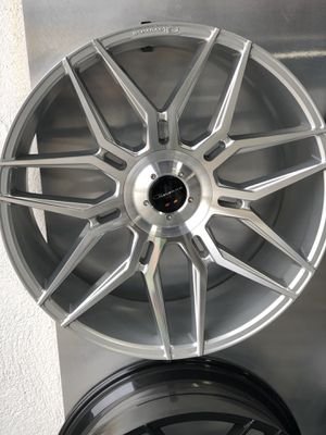GIOVANNA WHEELS AND TIRE PACKAGES/PAQUETES DE LLANTAS Y RINES for Sale in Huntington Park, CA