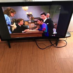 Omn Tv 32 Inch for Sale in Richmond, VA