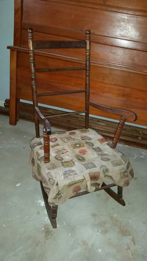 Antique rocking chair for Sale in Baltimore, MD