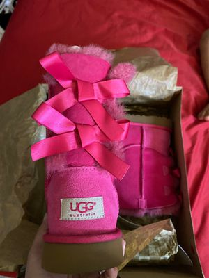 UGG Kids Bailey Bow for Sale in Whittier, CA