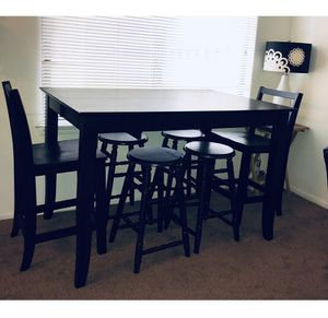 BLACK HIGH DINING TABLE —. CAN BE EXTENDED TO MAKE TABLE BIGGER - ( 4 stools & 2 chairs ) - - SEE MEASUREMENTS BELOW:- (more pictures above) for Sale in Maple Shade Township, NJ