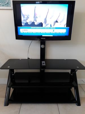 """Samsung 32"""" TV with TV Stand for Sale in Homestead, FL"""