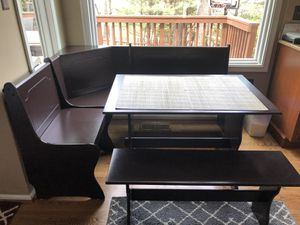 corner nook breakfast table with bench for Sale in FX STATION, VA