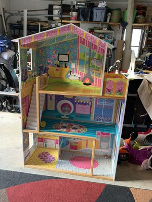 dollhouse, doll house for Sale in Taunton, MA