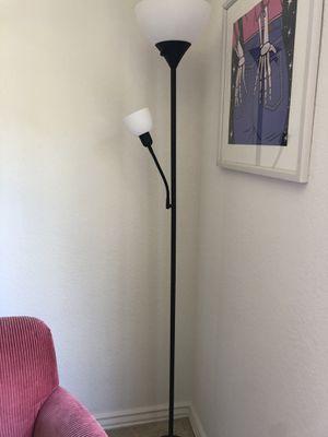 Floor lamp for Sale in Aliso Viejo, CA