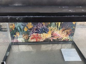 10gal Aquarium with Cover and Lights for Sale in Los Angeles,  CA