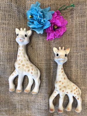 """Kids Toy, Chew, squeaky toy """"Sophie"""" for Sale in Playa del Rey, CA"""