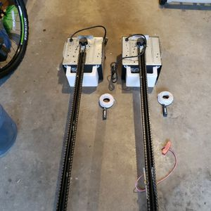 2 Lift Master Garage Door Openers for Sale in Powder Springs, GA