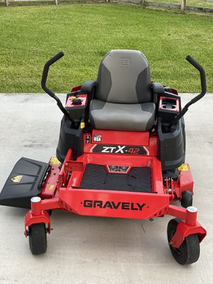 Gravely zero turn lawn mower for Sale in Palm Beach Gardens, FL