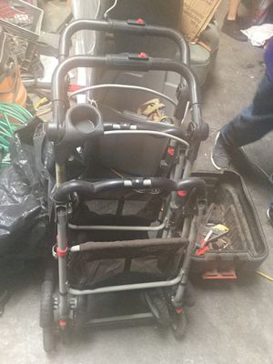Graco two baby stroller for Sale in Los Angeles, CA
