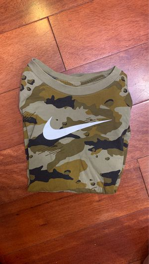 Camo Nike t shirt for Sale in Los Angeles, CA
