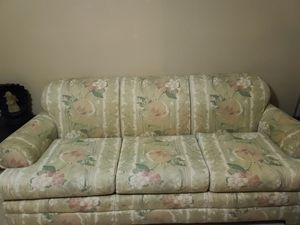 Couch and oversized chair. Free for Sale in St. Petersburg, FL