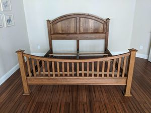Solid wood king bed frame - excellent condition $700 for Sale in Camas, WA