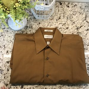 Van Heusen Dress Shirt for Sale in Columbus, OH