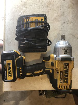 """Dewalt 20v 1/2"""" brushless impact wrench with (1) batt and charger asking 250 firm in N Lakeland for Sale in Lakeland, FL"""