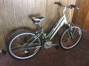 Mountain bike giant for Sale in San Diego, CA