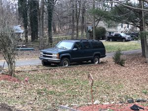 1995 Chevy Suburban, Great SUV, 4x4, Great for work or Plow for Sale in Manassas, VA
