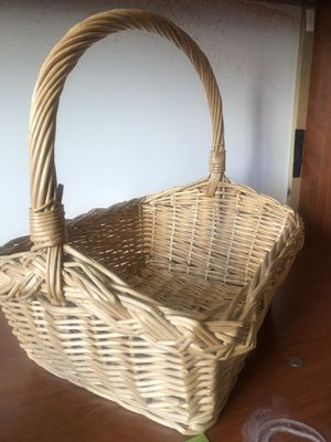 Tan woven basket for Sale in Bethesda, MD