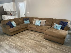 Sectional Couch for Sale in Reedley, CA