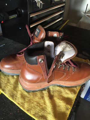 Work boots 9 for Sale in Chula Vista, CA