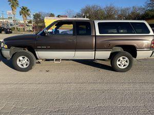 1997 Dodge ram 4 x 4 Laramie 4 x 4 1500 for Sale in San Antonio, TX