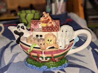 Noah's Ark Tea Pot (lg) for Sale in Rockville,  MD