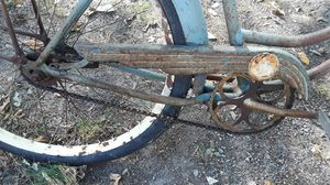 Old schwinn 26 inches bike for Sale in Cleveland, OH