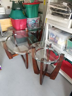 2 end tables and 1 center table for Sale in Hialeah, FL