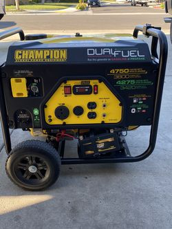 Champion Generator 4750 Starting Watts for Sale in Los Angeles,  CA