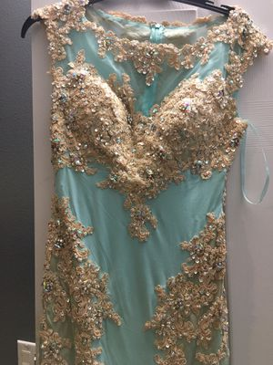 Prom dress size 4 with fuller work on it for Sale in Riverside, CA