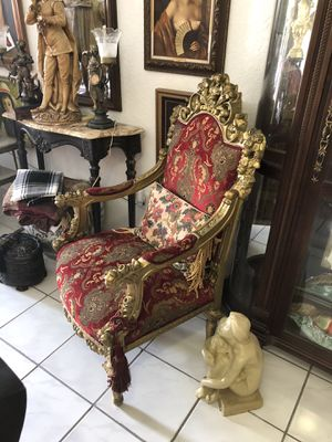Royal chair for Sale in Hialeah, FL