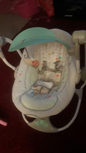 Infant portable swing for Sale in Norfolk, VA