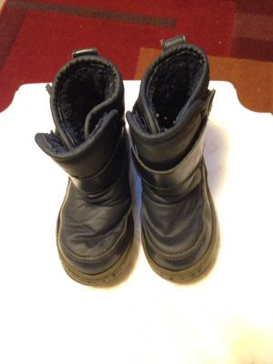 Size 9 kids snow boots for Sale in Lafayette, CO